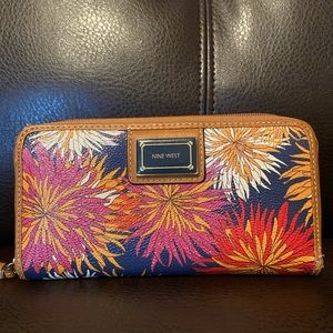 Nine West wallet